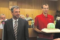 Podle prezidenta VK Jihostroj ČB Jana Diviše (vlevo) je obrovskou osobností nejlepšího českého volejbalového klubu Stanislav Pochop.