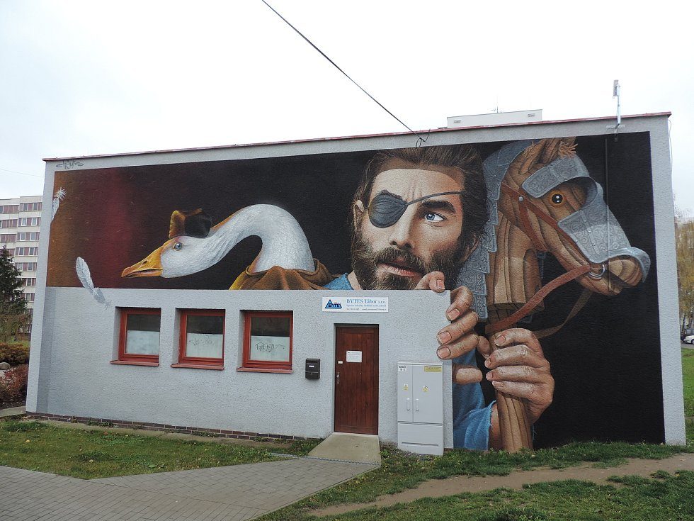 Před třemi lety ozdobil stěnu výměníku na sídlišti Nad Lužnicí v Táboře ve Světlogorské ulici vojevůdce Jan Žižka, umělecky ho ztvárnil Dmitrij Proškin.