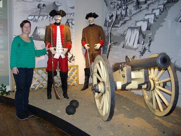 Zrekonstruované muzeum v Týně nad Vltavou se otevře prvním návštěvníkům. Ti zde mohou obdivovat řadu exponátů doplněnou o technické novinky. Na snímku vedoucí muzea Martina Sudová.