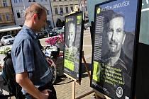 Studio a panely sdružení Post Bellum do středy lákají na budějovickém náměstí Přemysla Otakara II. zájemce o historii a hledání pamětníků.
