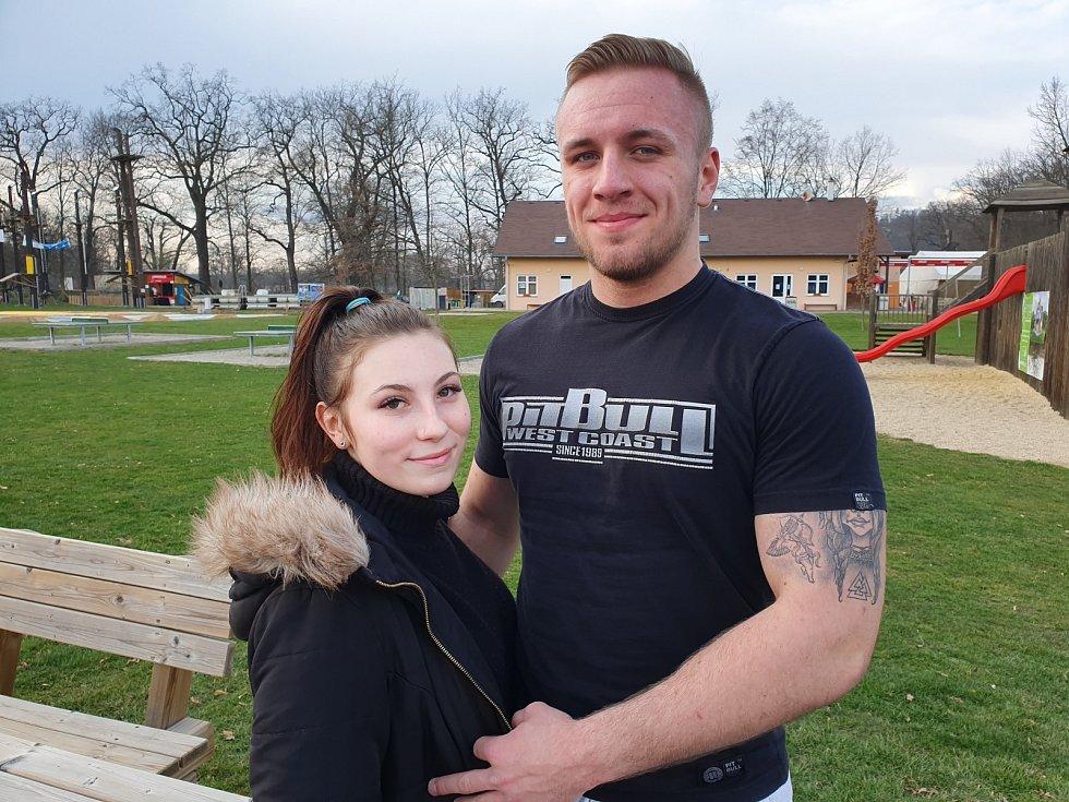 Jihočeský boxerský talent David Popovič, na snímku s přítelkyní Vanesou