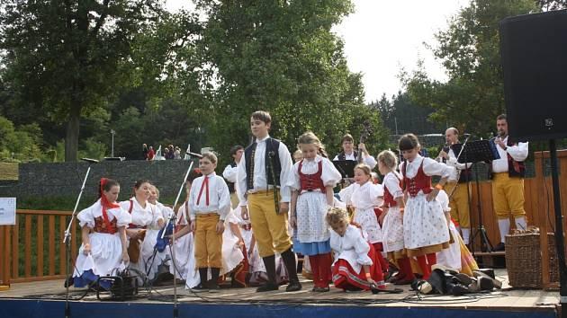 Dětský soubor Šumavánek z Klatov.
