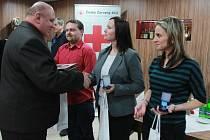 Zlaté a stříbrné medaile doktora Jana Janského obdrželo v pondělí celkem šedesát bezpříspěvkových dárců krve v Českých Budějovic a okolí.