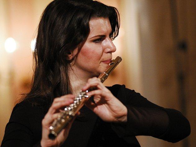 Lenka Baarova je historicky vůbec první sólovou flétnistkou v naší zemi.