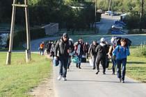 Proud běženců do Bavorska neustává.