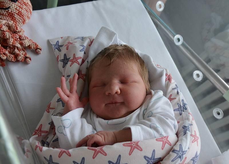 Justýna Průdková z Písku. Dcera Lady a Milana Průdkových se narodila 4. 6. 2021 v 19.17 hodin. Při narození vážila 4100 g a měřila 52 cm. Doma se na ni těšil bráška Honzík (4,5).
