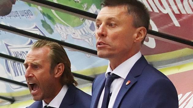 Václav Prospal (vlevo) se svým asistentem Alešem Totterem.