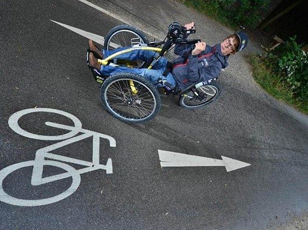 Zdolal Alpy na ručním kole.