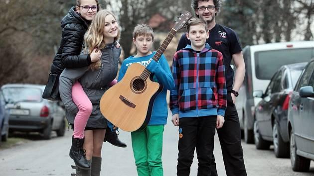 První místo ve své kategorii získala na finále Dětské Porty skupina JaNik z Malont na Českokrumlovsku. Zaujala písní Pár minut i provedením hitu Hotel California.