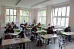 Jubilejní základní škola svatováclavská ve Strýčicích přivítala 11. května 2020 po dlouhé přestávce žáky deváté třídy. Na přípravu k přijímačkám dorazilo 14 žáků.