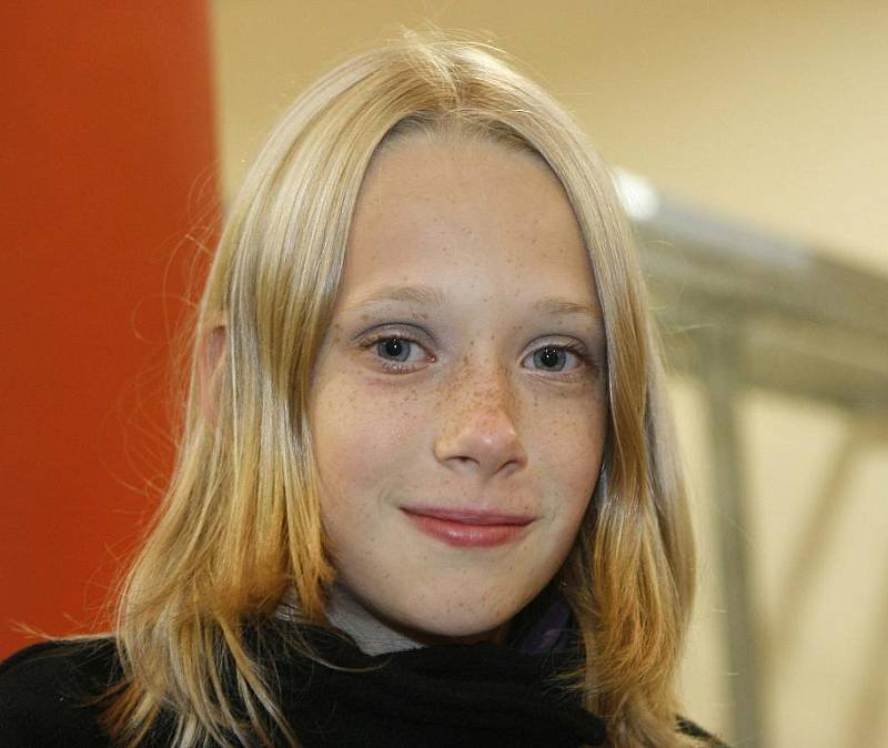 Malá čtenářka Deníku Alena Panovská (na snímku) se setkala se svým oblíbeným zpěvákem