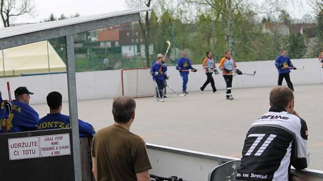 Hokejbalisté Krasejovky porazili ve finále extraligy AHbK tým Ryzab groub a jsou mistry asociace.