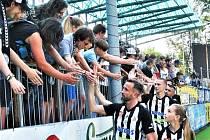 Tomáš Sivok se loni v červnu po nadstavbě s Ml. Boleslaví loučil s fanoušky, teď se do Dynama vrací jako sportovní ředitel. A doufá že ho hráči Dynama přivítají v neděli s Libercem výhrou.