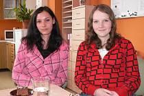 Vlevo Miroslava Melicharová, vpravo Zdeňka Proboštová.