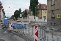 Rekonstrukce Mánesovy ulice v Českých Budějovicích. Konec července 2019.