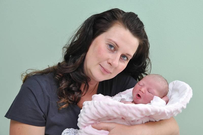 Adéla Šenderová ze Sedlice. Rodiče Andrea a Roman Šenderovi se radují z dcery, která se narodila 13. 9. 2021 ve 14.16 hodin. Při narození vážila 3400 g a doma se na ni těšili bráškové František (9) a Pepíček (6).