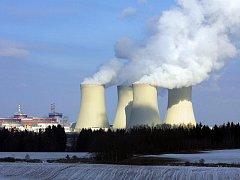 Tři pětiny lidí chtějí, aby se dostavěly nové bloky jaderné elektrárny Temelín. Jde o závěr průzkumu agentury STEM, v němž odpovídalo 512 lidí z okolí Temelína. Ekologičtí aktivisté  však tvrdí, že ČEZ jako zadavatel průzkumu zkreslil formulace otázek.