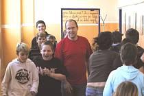 Učitelství na středních školách  studuje 25,1 % mužů z 441 posluchačů. Zhruba polovina z nich se nakonec stane kolegy Jiřího Bláhy (na snímku), který učí na ZŠ Grünwaldova v Českých Budějovicích.
