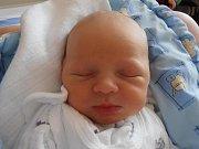 3,18 kg – tolik vážil po narození Matyáš Žemlička. Poprvé pohlédl na tento svět v sobotu 25.2.2012 v 7 hodin a 2 minuty. Místem, kde bude prožívat své dětství, jsou České Budějovice.