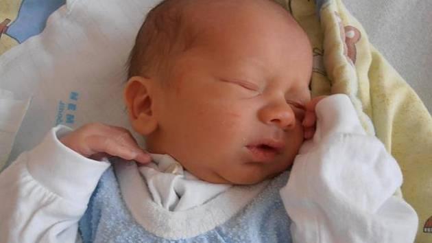 V Českých Budějovicích prožije dětství chlapeček jménem Jakub Kovář. O své místo na světě se přihlásil 8 minut po 10. hodině v pondělí 14.10.2013. Po narození vážil 3,30 kg.
