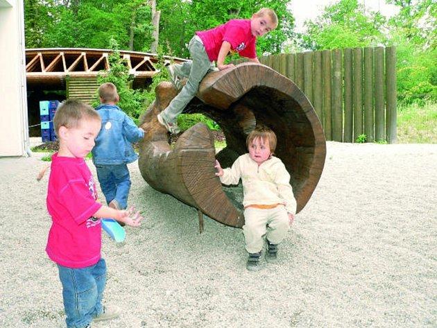 Dětský koutek vrozšířené části zoo.