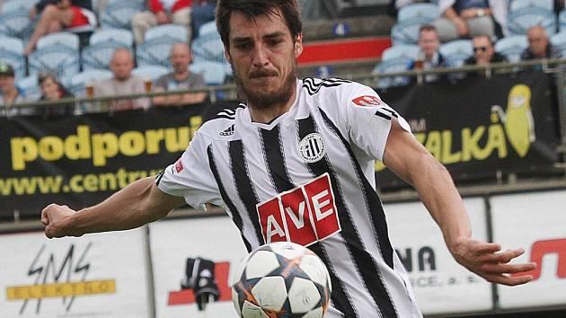 Jaroslav Machovec dal v zápase Dynama s Třincem (3:0) dva ze tří gólů vítězů.