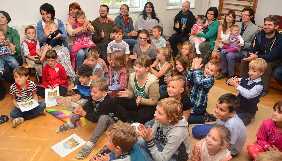 Začátek letošního školního roku si užili v Petříkově všichni.