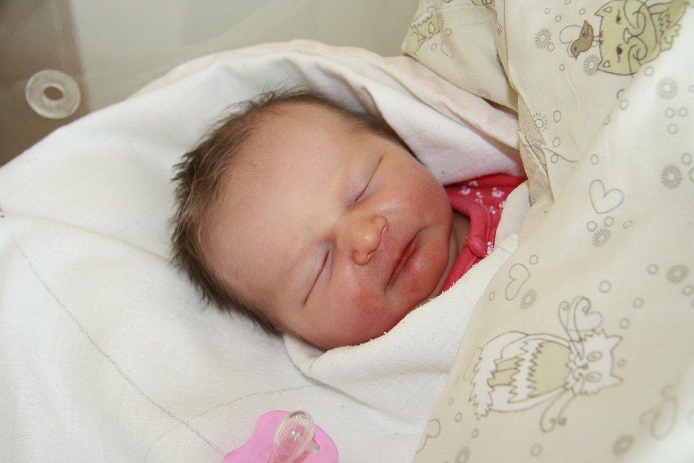 Anna Kutláková z Volar. Dcera Ivety Hořejšové a Jana Kutláka se narodila 5. 5. 2021 v 18.02 hodin. Při narození vážila 2280 g.
