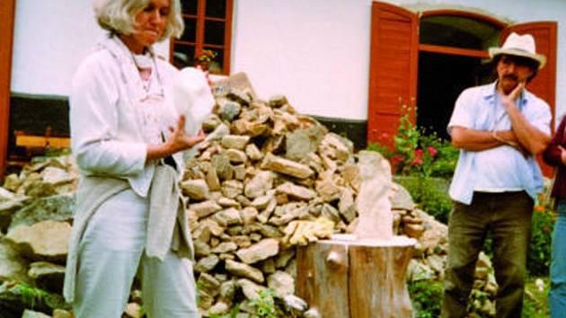 Snímek z práce wadorfských učitelů z Holandska s alabastrem.