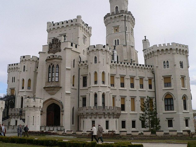 Státní zámek Hluboká patří knejnavštěvovanějším jihočeským památkám.