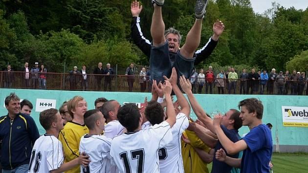 Fotbalisté Blatné si už prakticky zajistili postup do I. A třídy. Fotbalové soutěže v kraji pokračují.