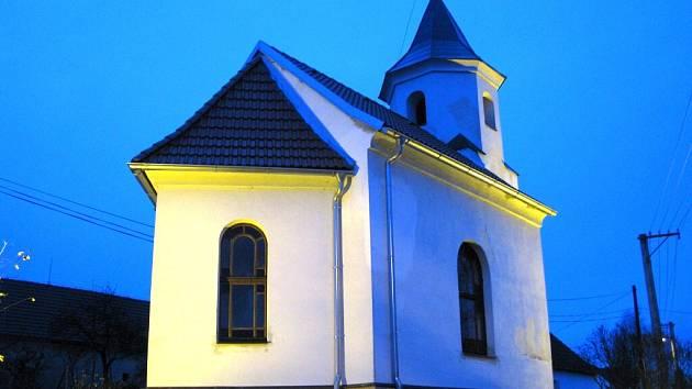 Peníze z krajského grantu získali i Hroznějovičtí na opravu kapličky.