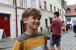 Natáčení filmu Spící město v ulici Široká v Českých Budějovicích.