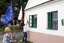 Volební komise zasedla 28. května v jednom z nejmenších jihočeských volebních okrsků v Třitímě u Týna nad Vltavou. Okrsek s průměrnou třicetiprocentní účastí má 18 voličů.
