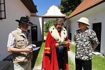 V tomto jihočeském stavení proběhla unikátní akce předání dekretu k založení Pohádkové infokanceláře na Velikonočním ostrově.