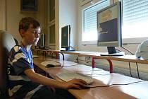 Celostátní kolo mezinárodní soutěže v programování Baltík 2010 vyhrál ve své kategorii desetiletý Jiří Jindra ze Základní školy L. Kuby v Rožnově. Ve volném čase se zajímá o indiány.