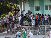 První kolo bylo tahákem, na stadion dorazila v sobotním vedru pěkná divácká návštěva.