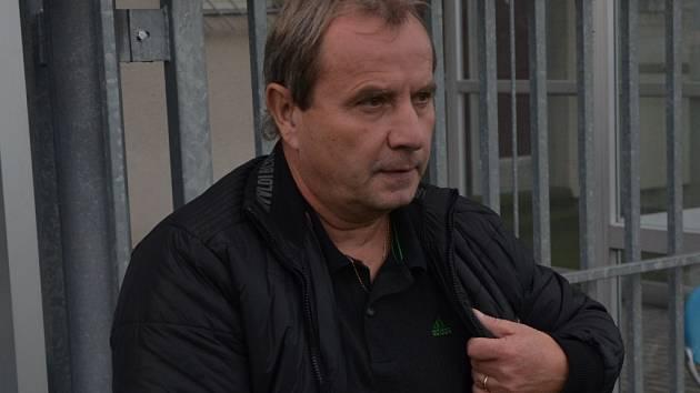 Trenér Ivo Hanzal dovedl staré pány Dynama k vítězství v Precislize 2015.
