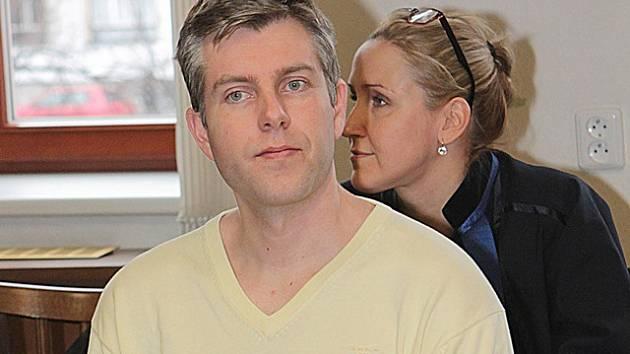 Milan Šlenc odcházel od soudu se souhrnným trestem 7,5 roku ve věznici s dozorem a dvojitým zákazem činnosti.