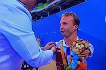 ZLATO. Arnošt Petráček získal svoji první paralympijskou medaili