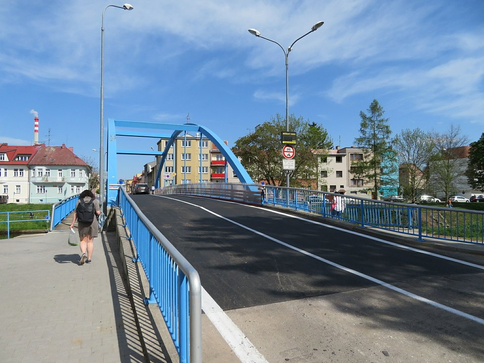 Modrý most v Českých Budějovicích už zase slouží.