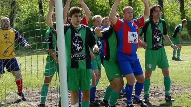 Na opačných pólech tabulky zakončily sezonu týmy Borovan a českobudějovické Akry.