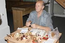 Rudolf Mašek z českobudějovické mykologické poradny.
