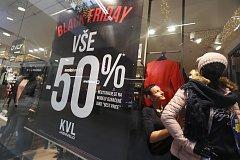 V pátek začíná nákupní šílenství zvané Black Friday.