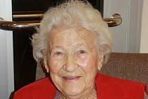Milá paní, kterou mají v domově všichni rádi, věří v Boha, modlí se a věří v dobrý konec.