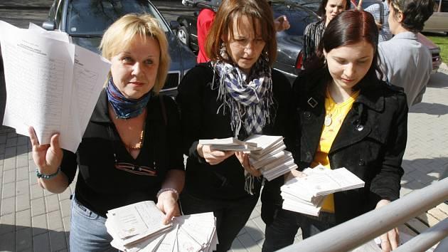 Také Jihočeské matky zaslaly dopis petičním výborům Parlamentu České republiky a senátu.
