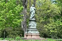 Lannova socha v Českých Budějovicích.