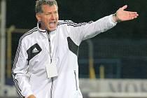 Trenér Luboš Urban v zápase Dynama na Bohemce spokojen nebyl.