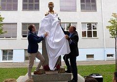 Bustu T. G. Masaryka odhalil primátor Jiří Svoboda a náměstek primátora Petr Podhola.
