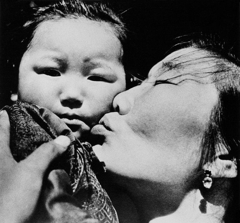 Národní muzeum fotografie v Jindřichově Hradci slaví 10 let a otevřelo 10 výstav, které potrvají do 30. září. Snímek Mongolská madona, 1957.